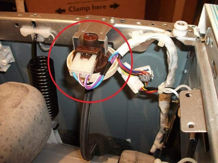 Стиральная машина не греет воду при стирке: причины и устранение неисправностей