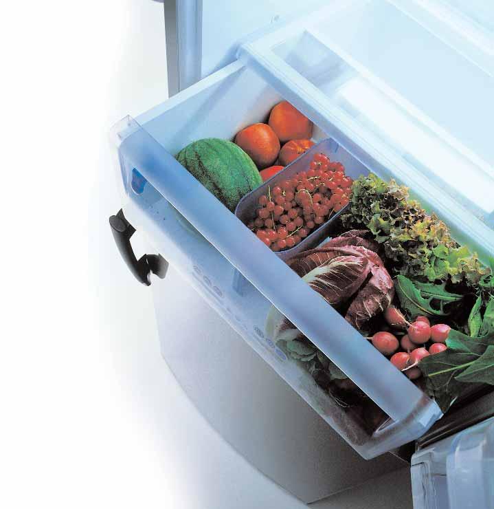 Почему в холодильнике скапливается вода под ящиками для овощей