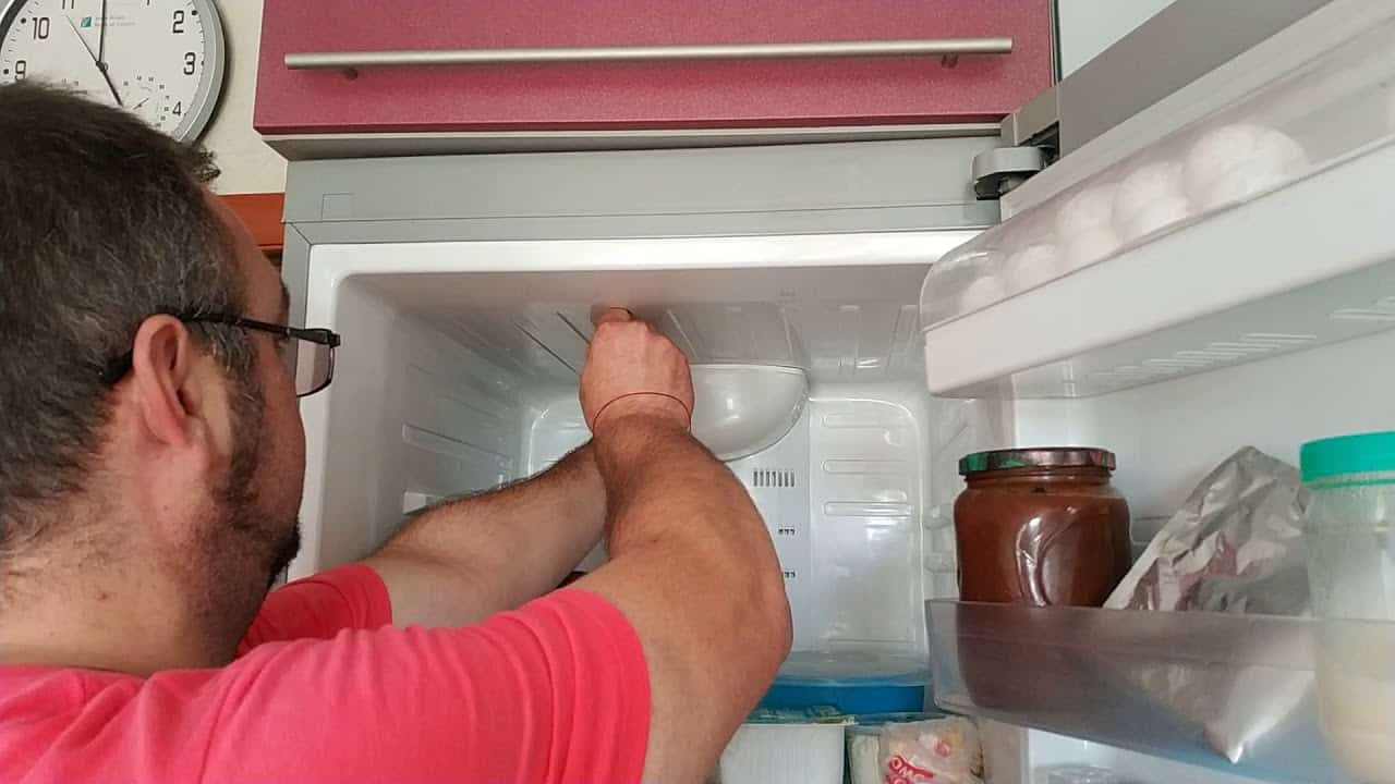 Вентилятор холодильника samsung издает гул жужжание дребезжание