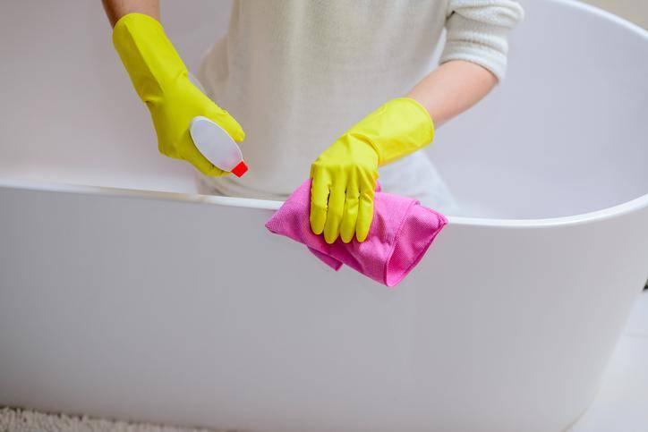 Чем отмыть ванну до блеска: дельные советы
