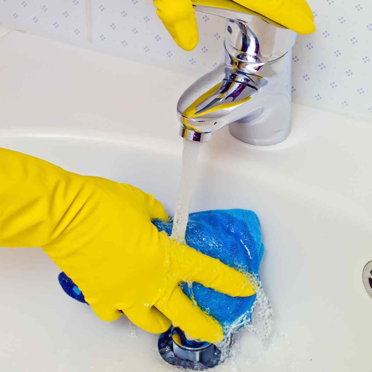 Как отчистить ванну до бела содой в домашних условиях