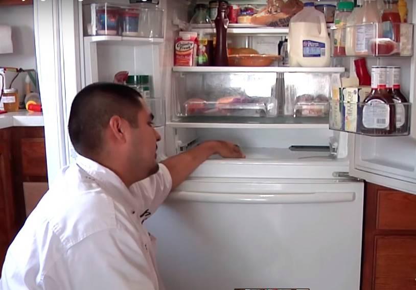 Как избавиться от льда на задней стенке холодильника