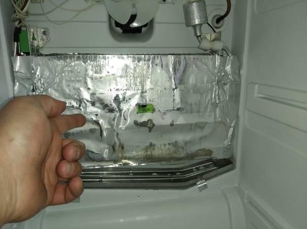 Почему холодильник потеет снаружи