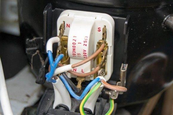 Замена реле в холодильниках разных производителей: как снять и заменить реле - пошаговая инструкция