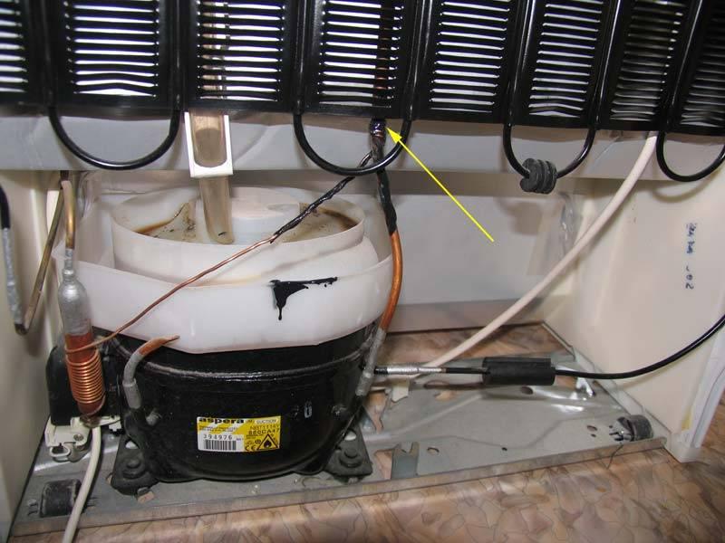 Почему стучит холодильник: поиск причин и методы устранения стука